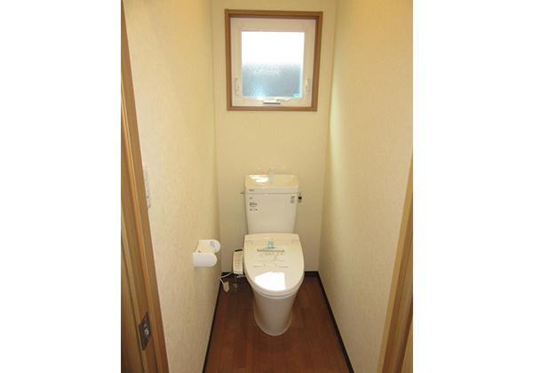 暖房便座付トイレ(ウォシュレットはオプション)