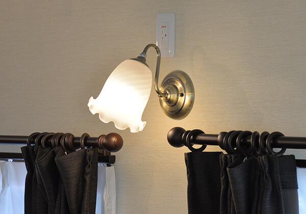 各種ブラケットライト全体的にアンティーク調を採用