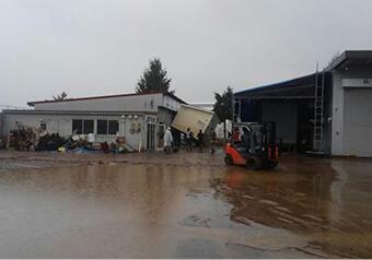 工場は2.2m冠水した為、工具、設備が電気等が廃処分となった。