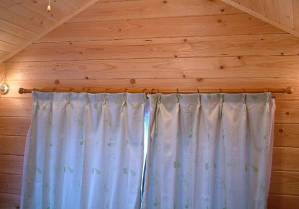 遮光&レースの2重カーテン室内が透けません
