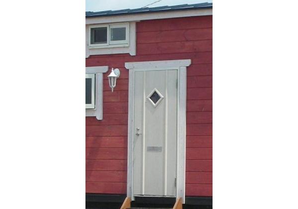 玄関ドアピッキング防止の複製しにくい鍵を採用