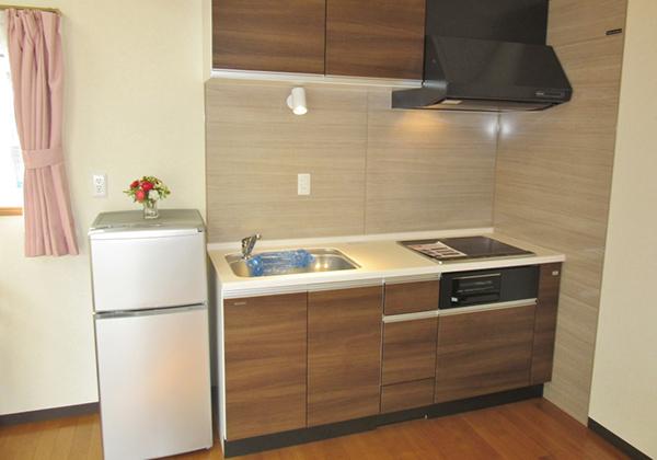 収納、レンジフード付キッチン3口ガスコンロ標準/IH(オプション)