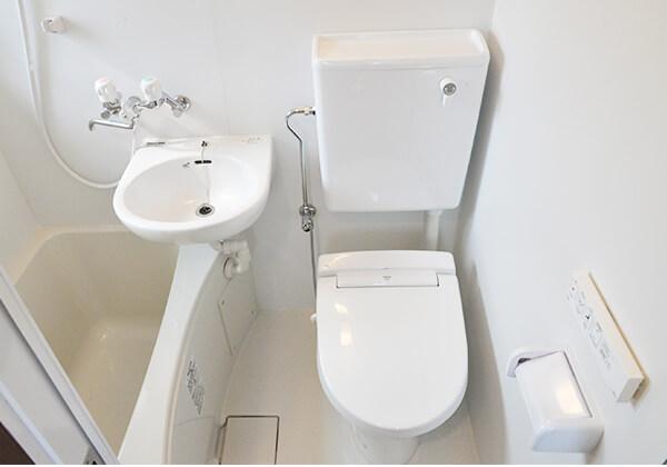 バス・トイレ・洗面一体型ユニットを装備