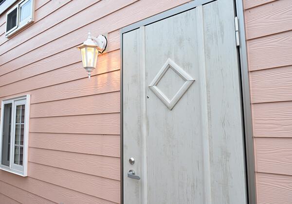 ピッキング防止ドア、複製しにくい鍵を採用